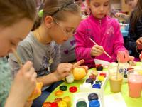 Влияние детского творчества на развитие ребенка. Гипсовые фигуры.